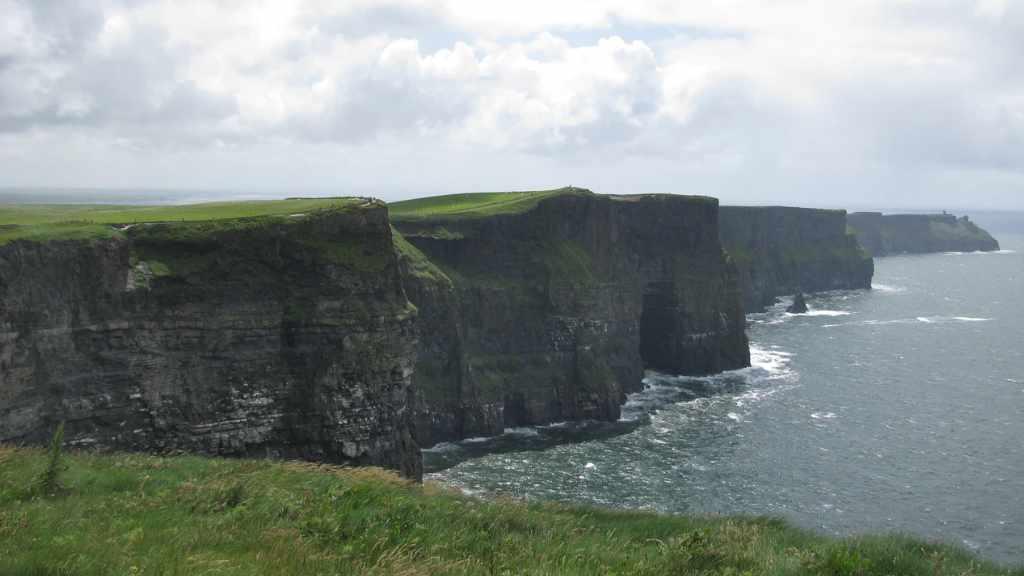 Don't let the VAT cliff-edge stop your business growing